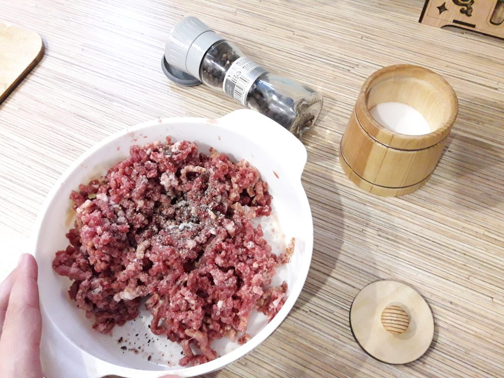 Фото рецепта - Манты с фаршем и картофелем - шаг 7