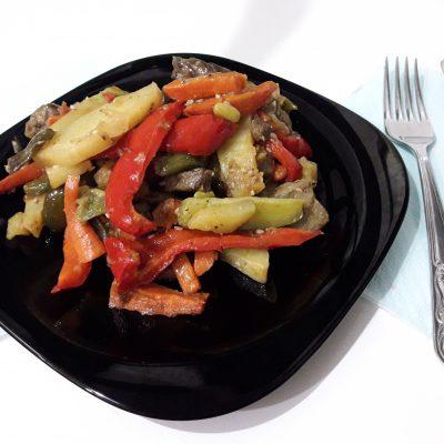 Фото рецепта - Овощное рагу с мясом говядины - шаг 12