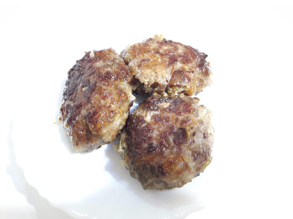 Фото рецепта - Мясные котлеты с тертым картофелем - шаг 8