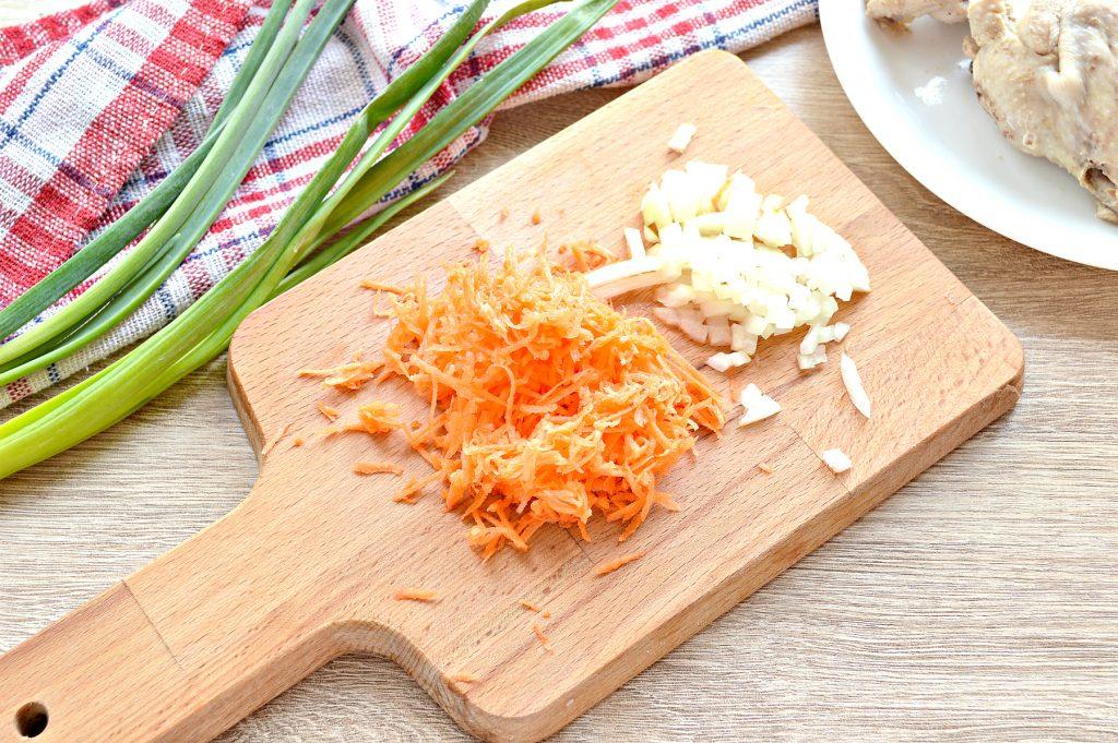 Фото рецепта - Куриный суп с макаронами без картофеля - шаг 3