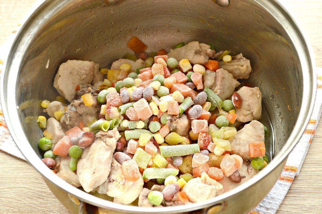 Фото рецепта - Курица кусочками с овощами и картофелем - шаг 4