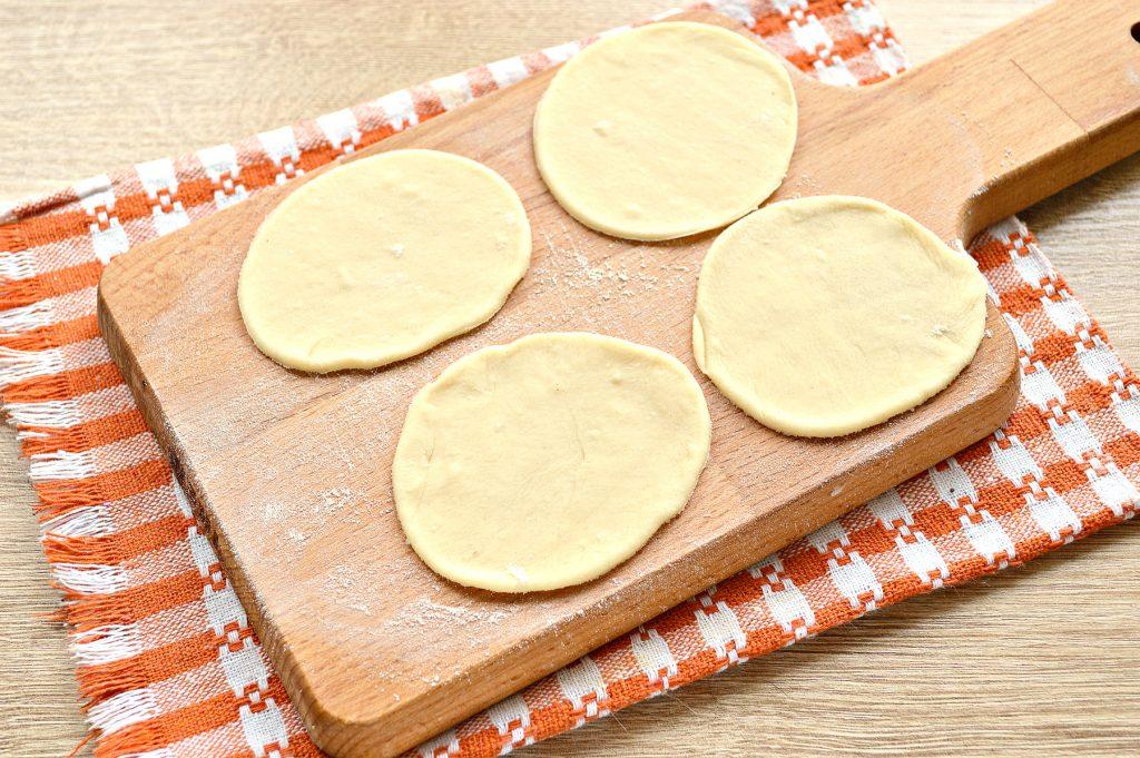 Фото рецепта - Манты с говядиной и картофелем - шаг 4