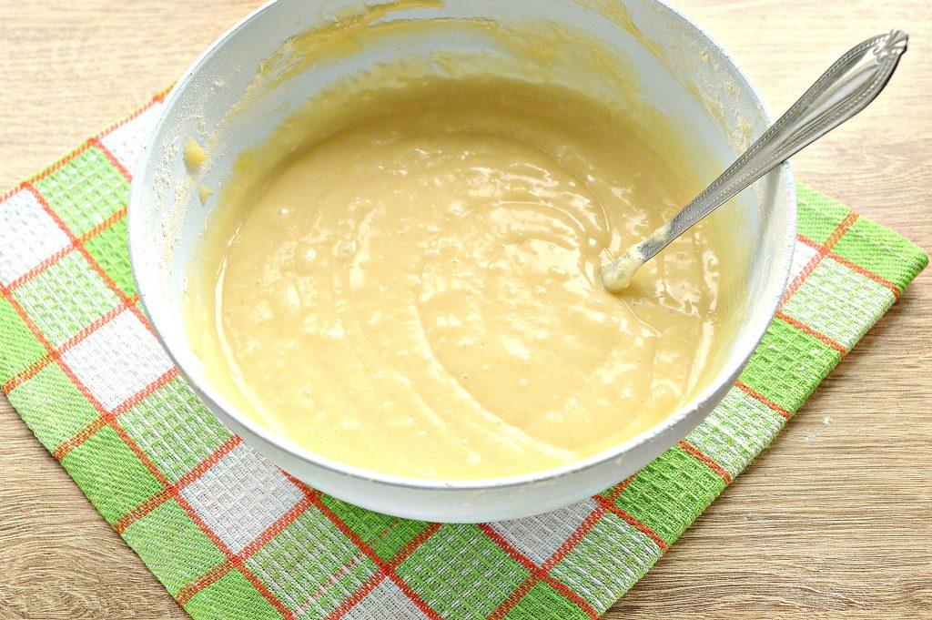 Фото рецепта - Пирог «Зебра» на кефире и растительном масле - шаг 4