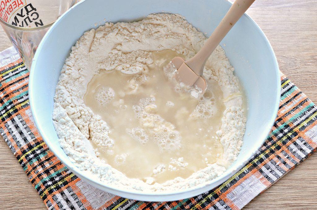 Фото рецепта - Заварное дрожжевое тесто для домашней выпечки - шаг 5