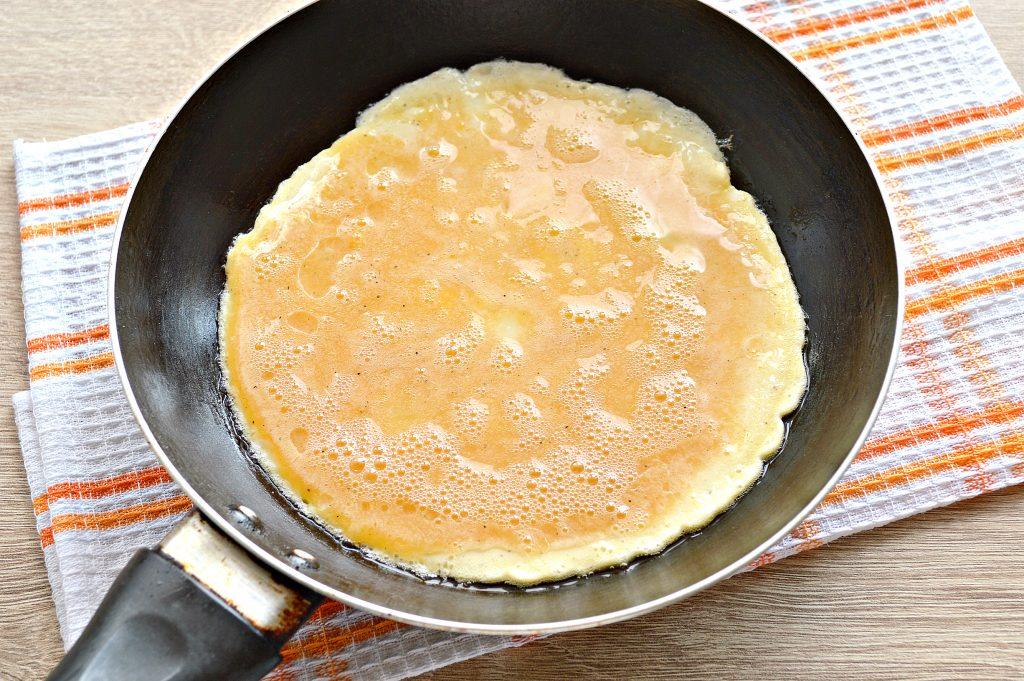 Фото рецепта - Бризоль с колбасой и помидором - шаг 5