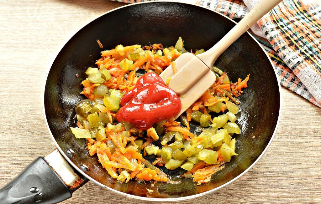 Фото рецепта - Щи из белокочанной капусты с соленым огурцом и телятиной - шаг 6