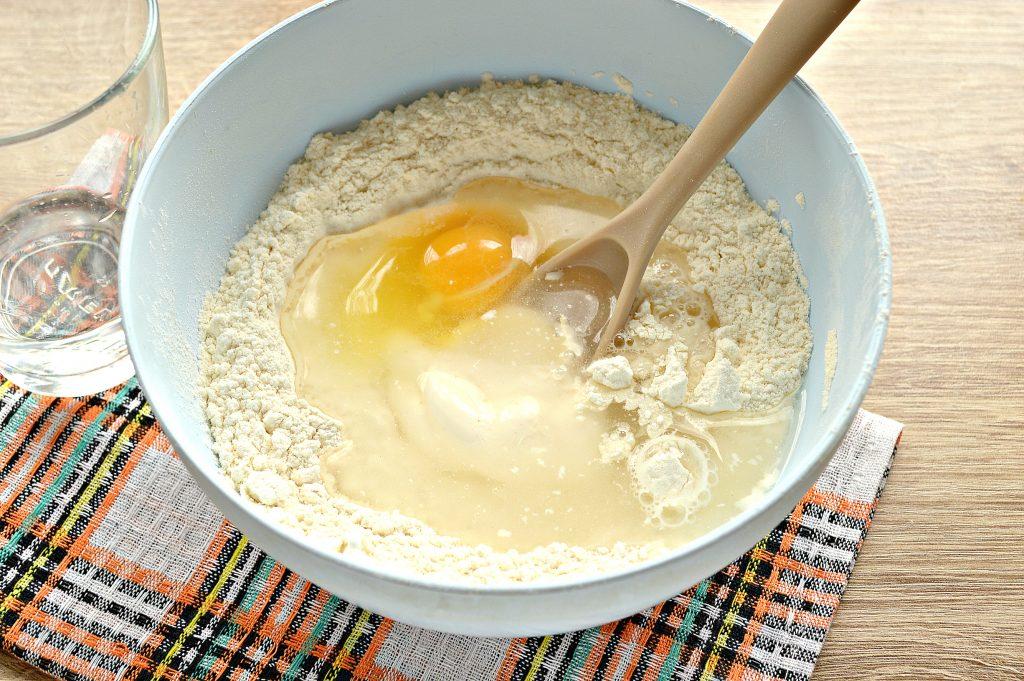 Фото рецепта - Быстрое тесто для пельменей и вареников на майонезе - шаг 6