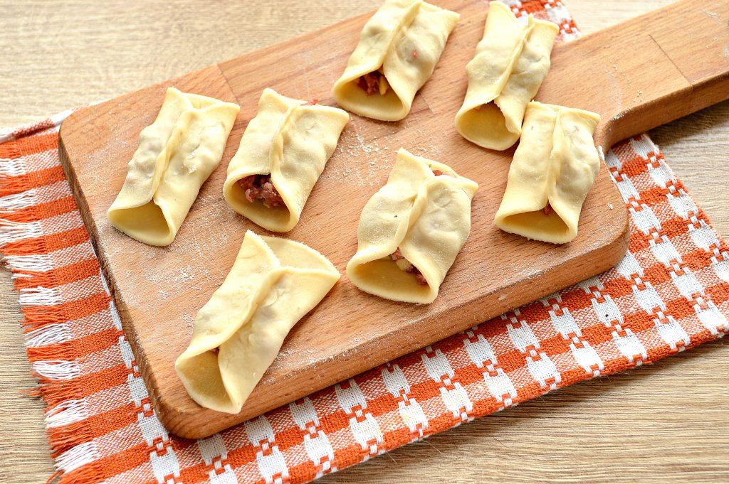 Фото рецепта - Манты с говядиной и картофелем - шаг 6