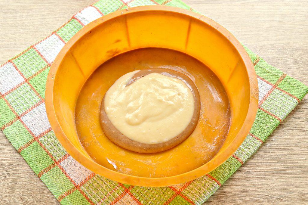 Фото рецепта - Пирог «Зебра» на кефире и растительном масле - шаг 6