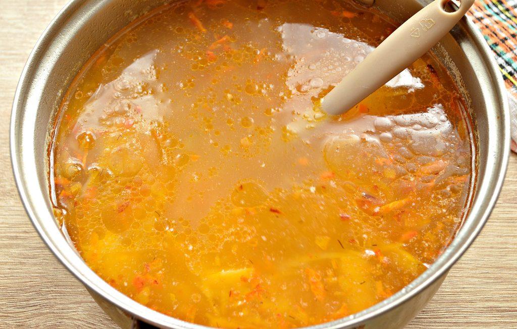 Фото рецепта - Щи из белокочанной капусты с соленым огурцом и телятиной - шаг 7