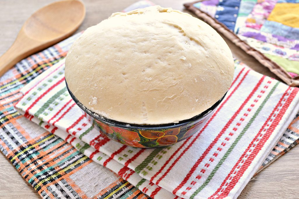 Фото рецепта - Заварное дрожжевое тесто для домашней выпечки - шаг 7