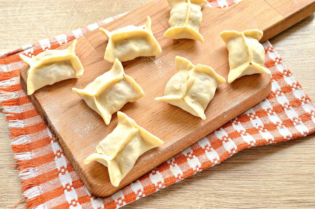 Фото рецепта - Манты с говядиной и картофелем - шаг 7