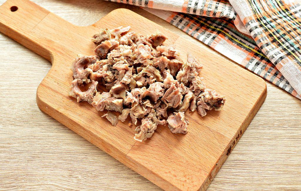 Фото рецепта - Щи из белокочанной капусты с соленым огурцом и телятиной - шаг 8