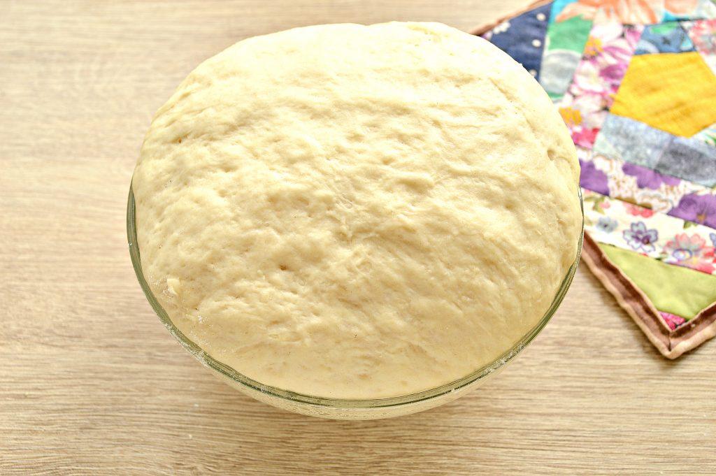 Фото рецепта - Дрожжевое тесто для пирогов на кислом молоке - шаг 8