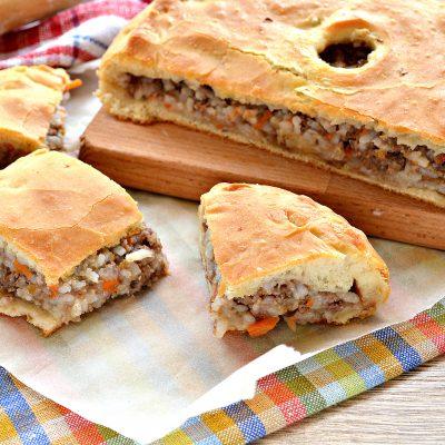 Мясной пирог с рисом - рецепт с фото