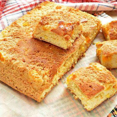 Быстрый бисквитный пирог с мандаринами - рецепт с фото