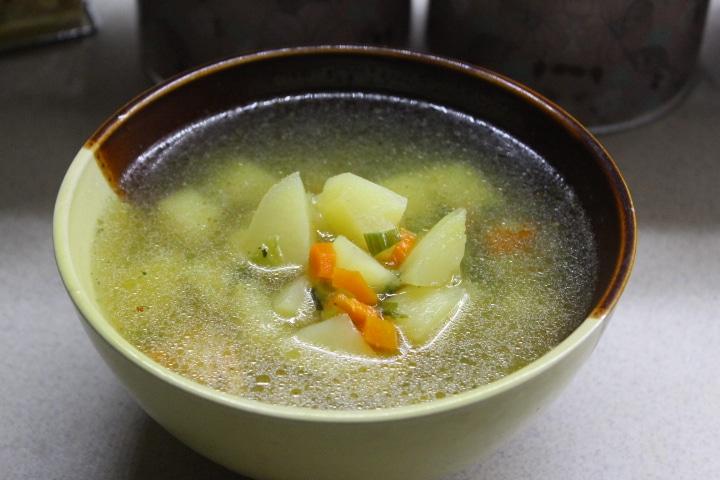 Чесночный суп с курицей