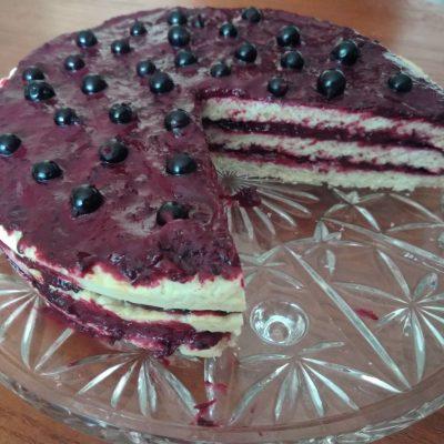 Фото рецепта - Торт слоеный со смородиновым курдом - шаг 4