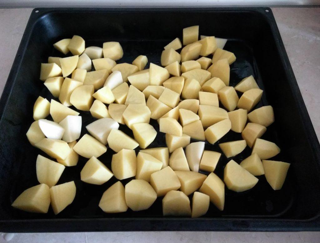 Фото рецепта - Картофель печеный с шампиньонами - шаг 1