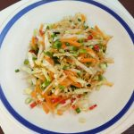 Витаминный салат из редьки и пекинской капусты