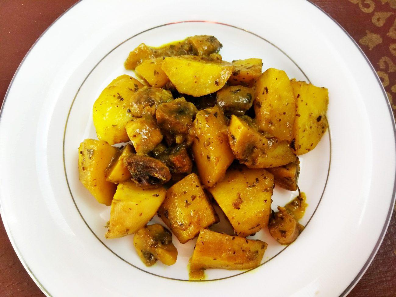 Картофель печеный с шампиньонами