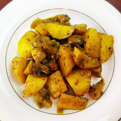 Картофель печеный с шампиньонами - рецепт с фото