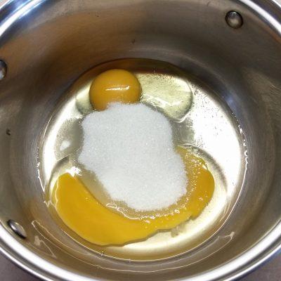 Фото рецепта - Кексы с крыжовником на кефире - шаг 1
