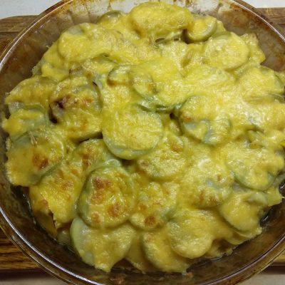 Гратен из картофеля, кабачков и яблок - рецепт с фото