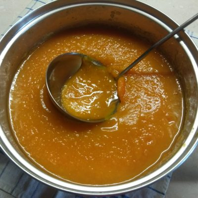 Фото рецепта - Суп-пюре из тыквы и моркови - шаг 3