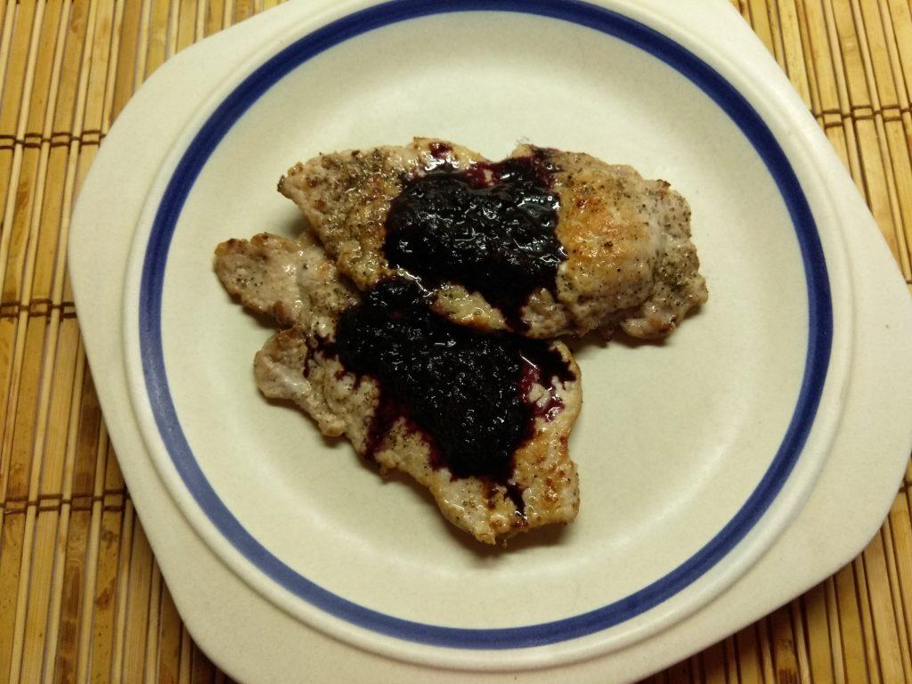 Фото рецепта - Свиные битки под соусом из черной бузины - шаг 5