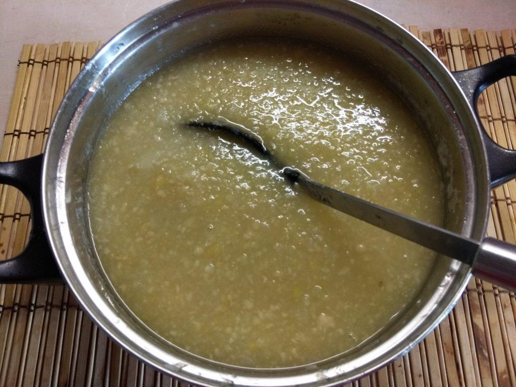 Фото рецепта - Крем-суп из корня сельдерея и яблок - шаг 3