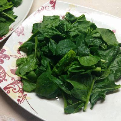 Фото рецепта - Салат из маринованного лосося, сыра Бри и авокадо - шаг 1