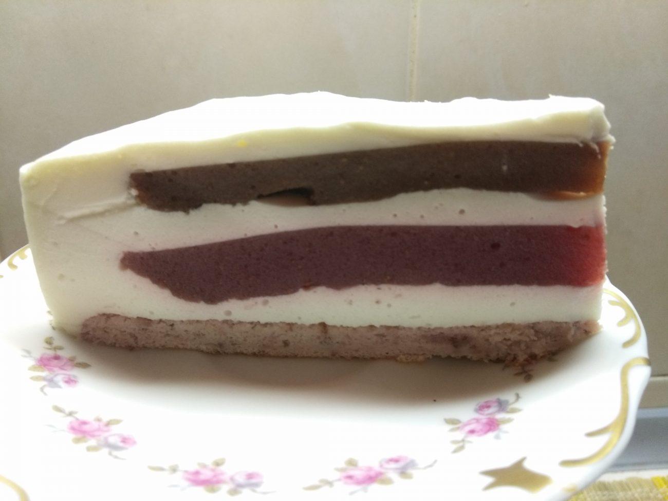Муссовый торт из клубники и банана
