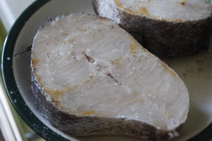 Фото рецепта - Запеченный хек в соевом соусе - шаг 2