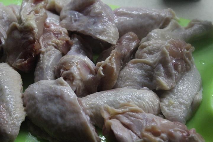 Фото рецепта - Острые куриные крылышки с чили в соевом соусе - шаг 1