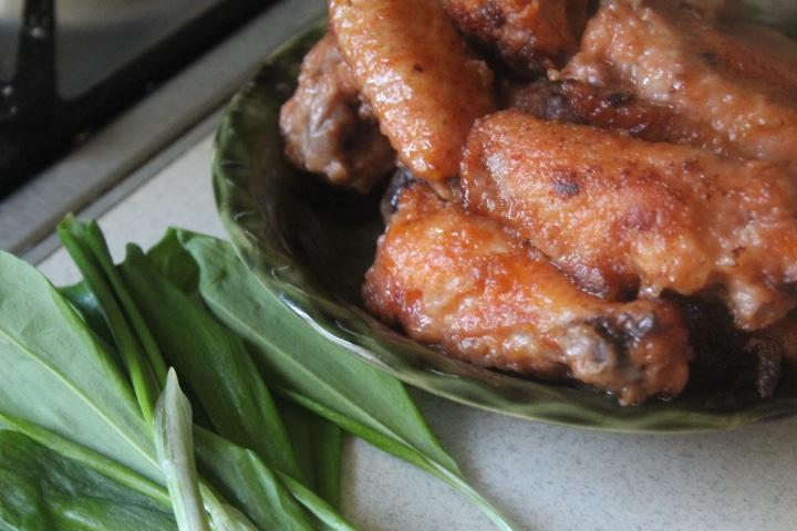 Острые куриные крылышки с чили в соевом соусе