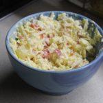Крабовый салат с ананасами