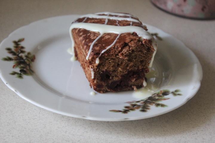 Фото рецепта - Шоколадный пирог с вишней - шаг 5