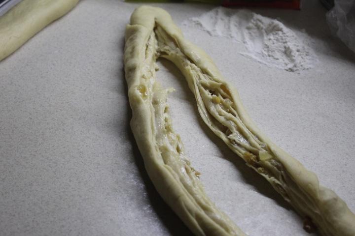 Фото рецепта - Кулич-краффин с сухофруктами и цукатами - шаг 8