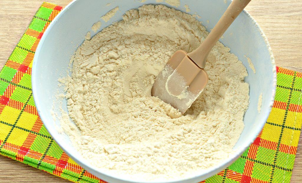 Фото рецепта - Классическое тесто для пельменей - шаг 2