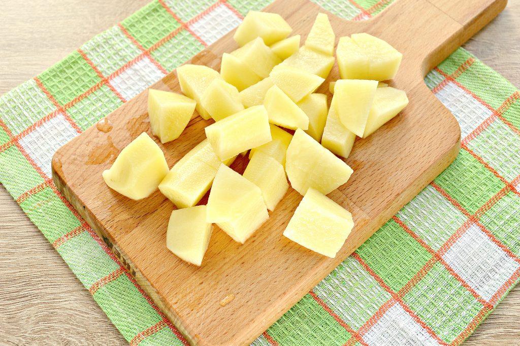 Фото рецепта - Куриные крылышки в горшочке с картофелем - шаг 2
