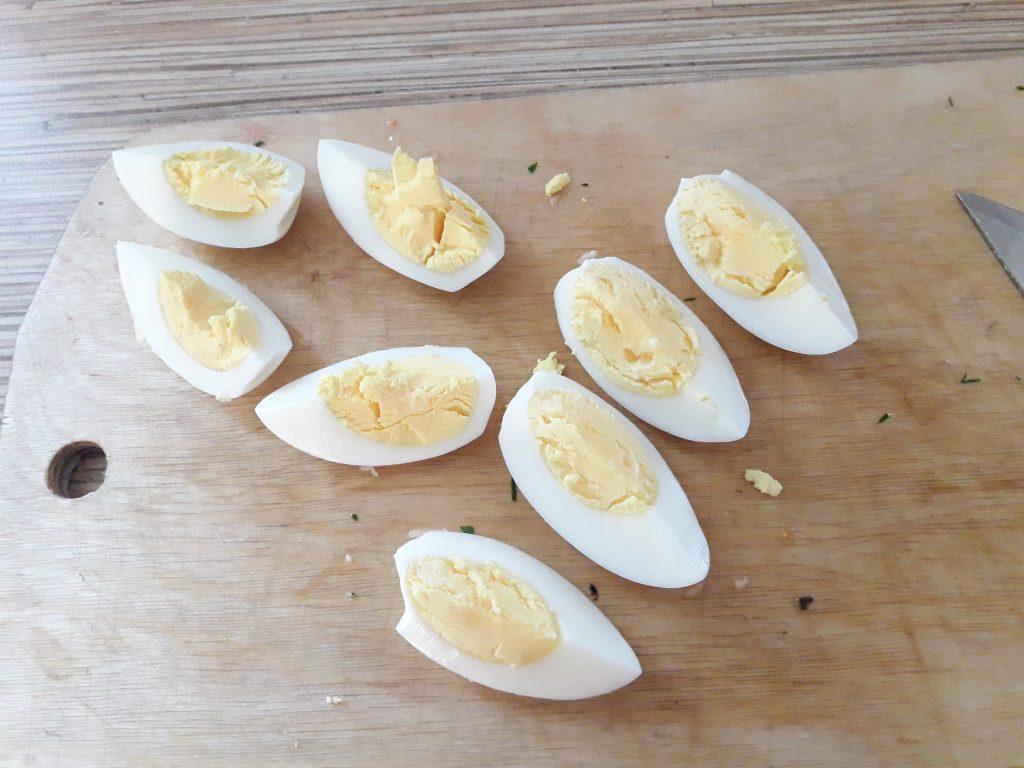 Фото рецепта - Салат с тунцом и стручковой фасолью - шаг 6