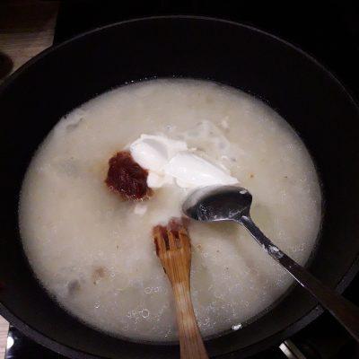 Фото рецепта - Тефтели со сливочно-томатной подливкой, в духовке - шаг 5
