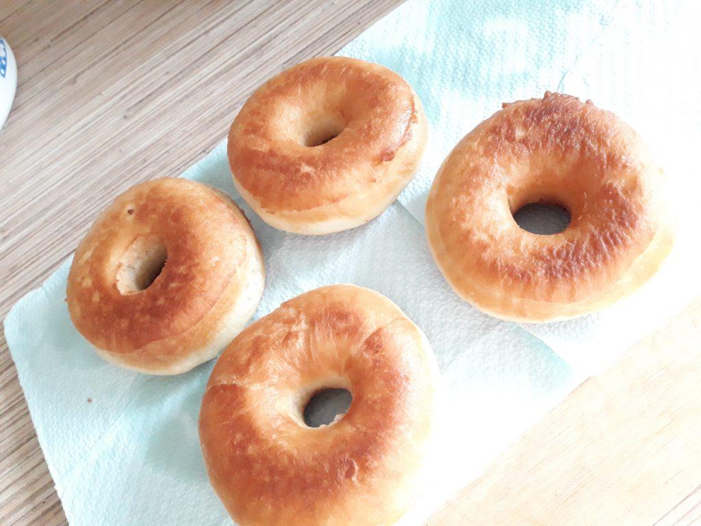 Фото рецепта - Донатс – американские пончики (жареные) - шаг 8