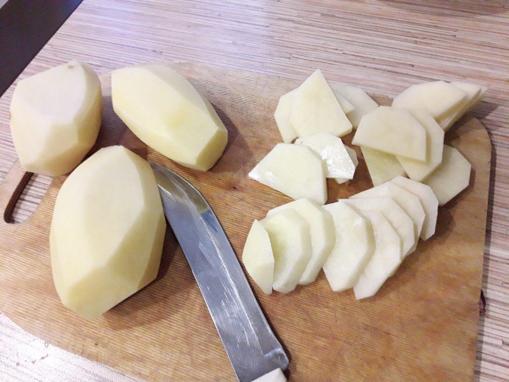 Фото рецепта - Картофель жаренный с салом - шаг 3