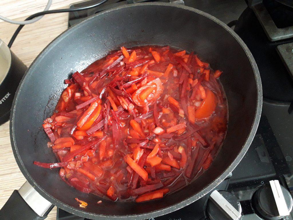 Фото рецепта - Борщ с говядиной - шаг 11