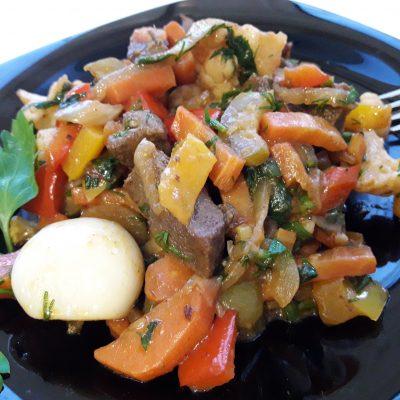 Аппетитное овощное рагу с мясом - рецепт с фото