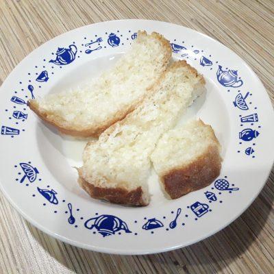 Фото рецепта - Гнезда из фарша и картофеля в духовке - шаг 3