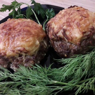 Фото рецепта - Гнезда из фарша и картофеля в духовке - шаг 13