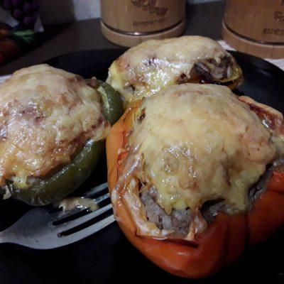 Фото рецепта - Фаршированный перец, запеченный в духовке (половинки) - шаг 9